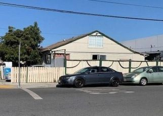 Foreclosed Home in Redwood City 94063 HURLINGAME AVE - Property ID: 4487541739