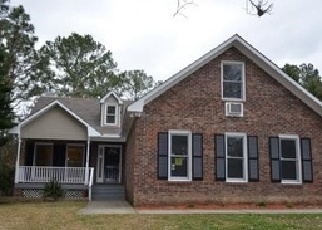 Foreclosed Home in Hope Mills 28348 HAWTHORNE ST - Property ID: 4487776937