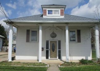 Foreclosed Home in Essex 21221 MARYLAND AVE - Property ID: 4487807583