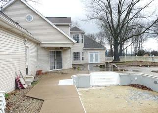 Foreclosed Home in Cassville 65625 NOTTINGHAM - Property ID: 4487866266