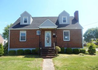 Foreclosed Home in Front Royal 22630 ROSS AVE - Property ID: 4487888160