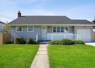 Foreclosed Home in Lindenhurst 11757 W HOLLYWOOD AVE - Property ID: 4487896493