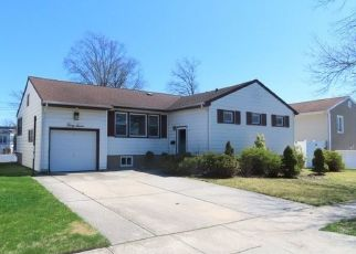 Foreclosed Home in Valley Stream 11581 SOUTHGATE RD - Property ID: 4487927588