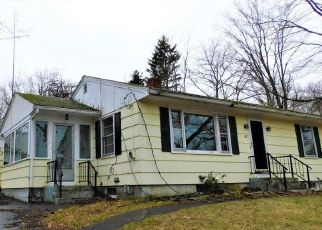 Foreclosed Home in Kittery 03904 CUTTS RD - Property ID: 4487942478