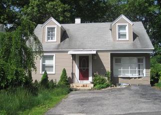 Foreclosed Home in Waterbury 06706 BATESWOOD RD - Property ID: 4487948616