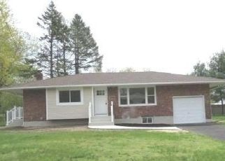 Foreclosed Home in Bay Shore 11706 PINE ACRES BLVD - Property ID: 4487949939