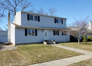 Foreclosed Home in Babylon 11702 TAPPAN AVE - Property ID: 4487951679