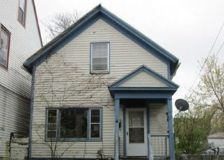 Foreclosed Home in Milwaukee 53204 W PIERCE ST - Property ID: 4488031835