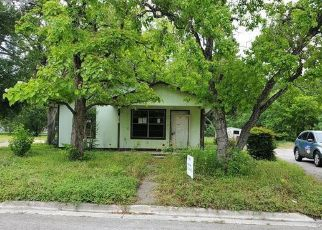 Foreclosed Home in Lockhart 78644 N PECOS ST - Property ID: 4488065101