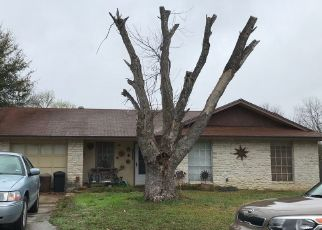 Foreclosed Home in San Antonio 78233 CROOKED OAKS DR - Property ID: 4488072111