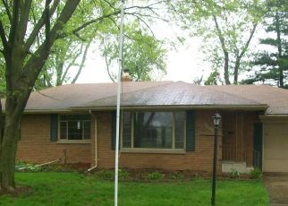 Foreclosed Home in Toledo 43614 MUIRFIELD AVE - Property ID: 4488153585
