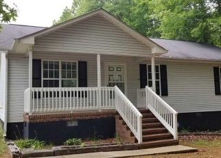 Foreclosed Home in Mebane 27302 TROLLINGWOOD HAWFLDS RD - Property ID: 4488168920