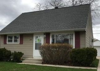 Foreclosed Home in Milwaukee 53222 N 93RD ST - Property ID: 4488224983