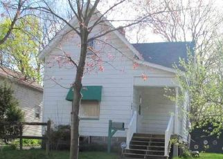 Foreclosed Home in Bay City 48706 S CHILSON ST - Property ID: 4488231993