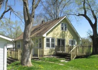 Foreclosed Home in Davenport 52806 W 51ST ST - Property ID: 4488585870