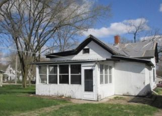 Foreclosed Home in Manito 61546 S JEFFERSON ST - Property ID: 4488603379