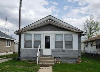 Foreclosed Home in Beardstown 62618 E 15TH ST - Property ID: 4488607771