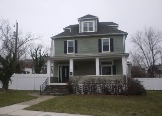 Foreclosed Home in Baltimore 21206 E NORTHERN PKWY - Property ID: 4488722509