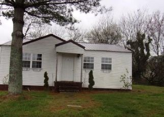 Foreclosed Home in Fort Payne 35967 14TH ST SW - Property ID: 4488738272