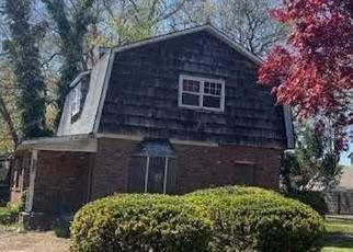Foreclosed Home in Mastic Beach 11951 HUNTINGTON DR - Property ID: 4488840319