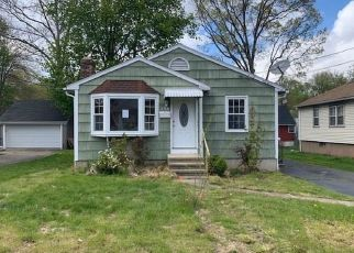 Foreclosed Home in Bridgeport 06606 BROADWAY - Property ID: 4488854785