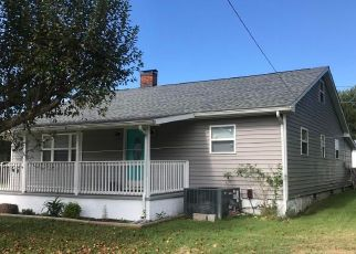 Foreclosed Home in Wartburg 37887 N CHURCH ST - Property ID: 4488915215