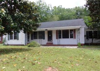 Foreclosed Home in Kilgore 75662 LEACH ST - Property ID: 4488917406