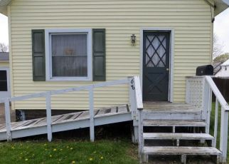 Foreclosed Home in Oswego 13126 E 11TH ST - Property ID: 4488921344