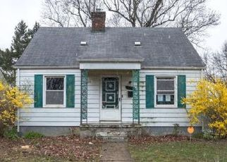 Foreclosed Home in Wayne 48184 HOWE RD - Property ID: 4488939304