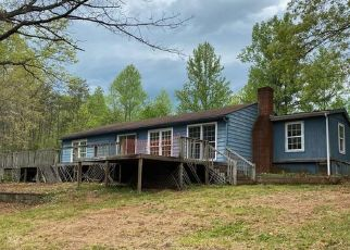 Foreclosed Home in Faber 22938 THOMAS NELSON HWY - Property ID: 4488954639