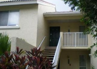 Foreclosed Home in West Palm Beach 33409 GLENMOOR DR - Property ID: 4488994944