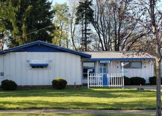 Foreclosed Home in Cleveland 44128 ALAMEDA PKWY - Property ID: 4489014191