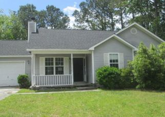 Foreclosed Home in Jacksonville 28546 RUNNING RD - Property ID: 4489028206