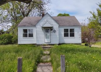 Foreclosed Home in Fraser 48026 GARFIELD RD - Property ID: 4489089536