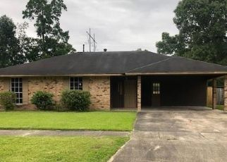 Foreclosed Home in Baton Rouge 70814 SARASOTA DR - Property ID: 4489280942