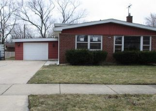 Foreclosed Home in Chicago Heights 60411 WILLOW DR - Property ID: 4489461369