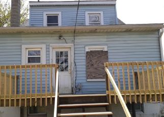 Foreclosed Home in Dundalk 21222 COLGATE AVE - Property ID: 4489473189