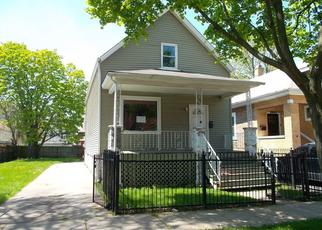 Foreclosed Home in Chicago 60617 S SAGINAW AVE - Property ID: 4489702250