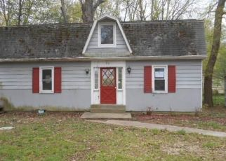 Foreclosed Home in Evansville 47712 SAINT PHILIP RD N - Property ID: 4489719334