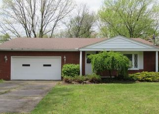 Foreclosed Home in North Olmsted 44070 CARSTEN LN - Property ID: 4489845474