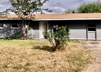Foreclosed Home in Universal City 78148 HIGHGATE RD - Property ID: 4489894976