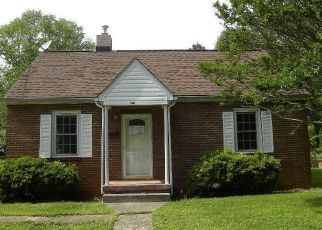 Foreclosed Home in Lynchburg 24502 WINDSOR AVE - Property ID: 4489900667