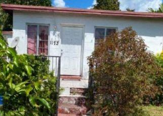 Foreclosed Home in Miami 33162 NE 160TH TER - Property ID: 4490028999