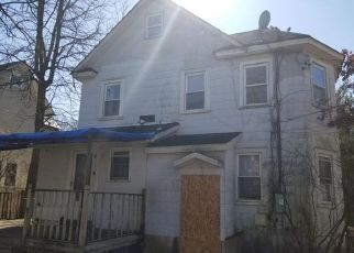 Foreclosed Home in Amityville 11701 OAK ST - Property ID: 4490035558