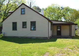 Foreclosed Home in Norfolk 23502 ARTHUR CIR - Property ID: 4490181847