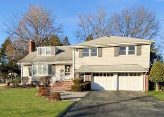 Foreclosed Home in Oradell 07649 COUNTRY CLUB DR - Property ID: 4490207236