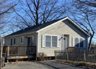 Foreclosed Home in Cumberland 02864 FOREST AVE - Property ID: 4490253675