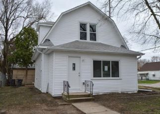 Foreclosed Home in Des Moines 50317 E WALNUT ST - Property ID: 4490260682