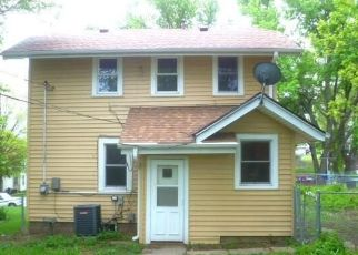 Foreclosed Home in Omaha 68111 DECATUR ST - Property ID: 4490319361