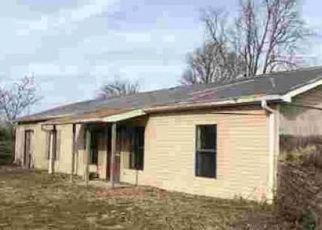 Foreclosed Home in Poplar Bluff 63901 DAN RIVER RD - Property ID: 4490331182